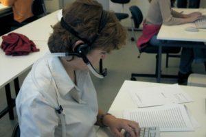Nawiewnik wentylacji osobistej zamontowany w zestawie słuchawkowym w czasie eksperymentów || dr hab. inż. Jan Kaczmarczyk